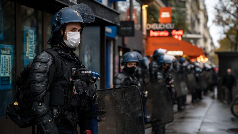 Sécurité globale : la version du Sénat de l'article 24 crée un délit de « provocation à l'identification » des policiers