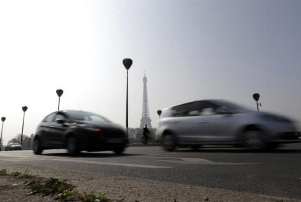 Des voitures à Paris le 14 mars 2014