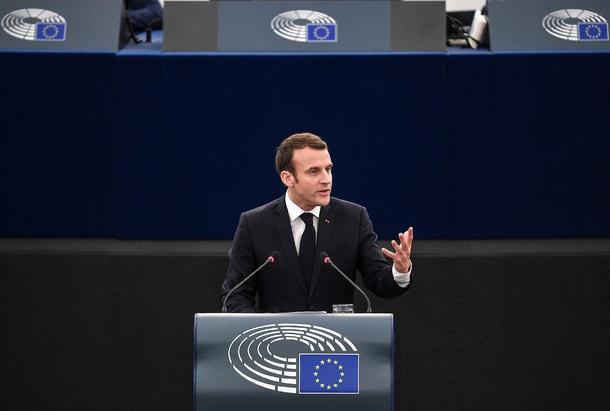 Le président Emmanuel Macron prononce un discours devant les membres du Parlement européen, le 17 avril 2018 à Strasbourg