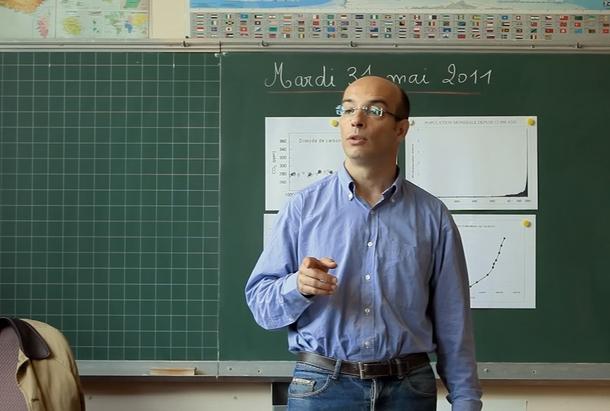 Gilles Vernet en classe.jpg