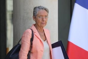 Elisabeth Borne sur le perron de l'Elysée, le 3 juillet 2019 à Paris