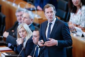 Le Belge Paul Magnette au Parlement wallon à Namur, le 2 mai 2017