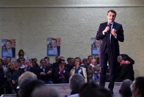 Emmanuel Macron lors d'un meeting à Souillac, le 24 février 2017