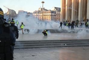 """Echauffourées entre """"gilets jaunes"""" et forces de l'ordre, le 23 février 2019 à Paris"""
