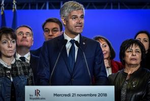 """Laurent Wauquiez (LR) lors d'une conférence de presse à Paris, le 21 novembre 2018 pour présenter le """"cabinet fantôme"""" de son parti"""