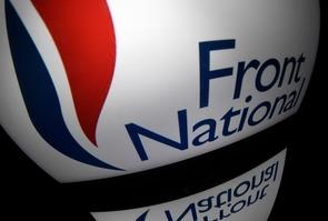 """Le Front national demande à ses adhérents de """"privilégier"""" des prêts directs au parti de Marine Le Pen plutôt que de prêter à Cotelec, micro-parti de Jean-Marie Le Pen habituellement utilisé pour financer ses campagnes, en vue des échéances électorales"""
