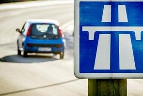 """Les concessionnaires d'autoroutes affirment n'avoir """"aucune marge de manoeuvre"""" pour l'application des lois tarifaires fixant les augmentations annuelles des péages, en réponse au souhait de Ségolène Royal de voir ces tarifs gelés en 2015"""