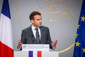 Le président Emmanuel Macron à l'Elysée, le 18 avril 2019 à Paris