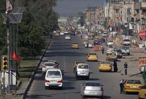 Une rue de Bagdad avec de la circulation