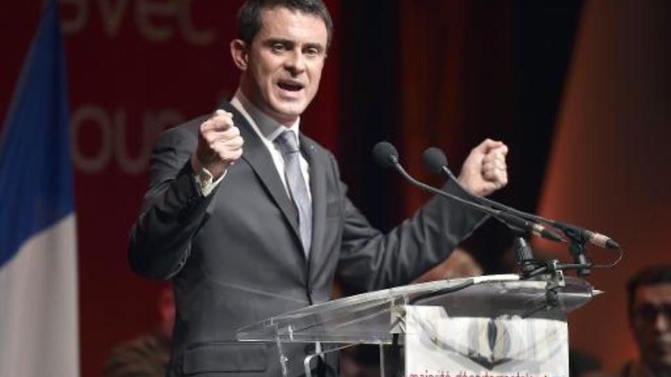 Le Premier ministre Manuel Valls participe à un meeting pour les élections départementales à Palaja, le 26 février 2015