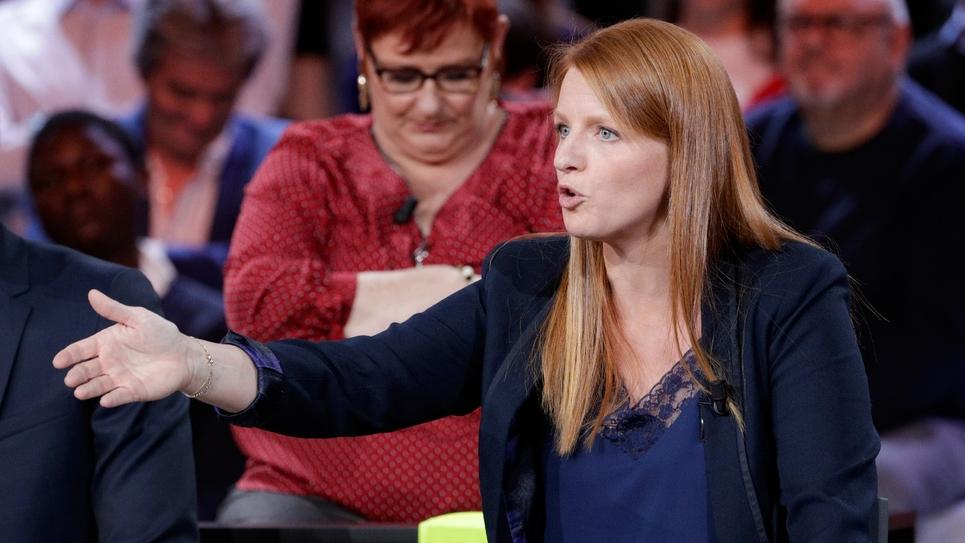 """Ingrid Levavasseur, à la tête d'une future liste """"gilets jaunes"""" pour les élections européennes, le 24 janvier dans """"L'Emission politique"""", sur France 2, à Saint-Cloud"""