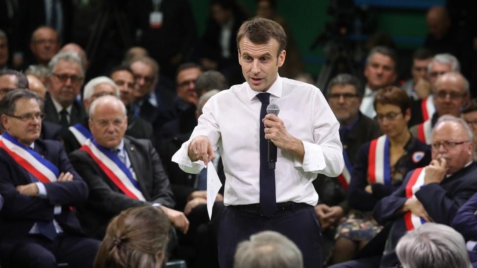 Emmanuel Macron devant 600 maires lors d'un grand débat à Grand Bourgtheroulde, en Normandie, le 15 janvier 2019