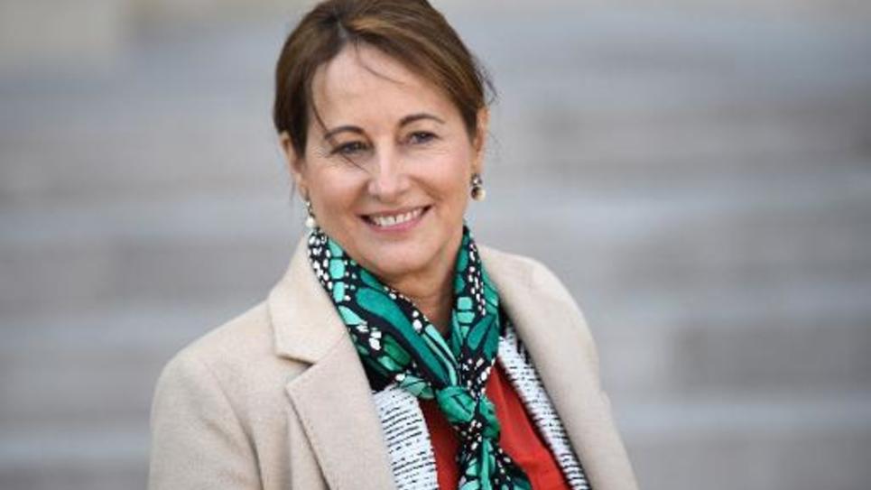 La ministre de l'Ecologie Ségolène Royal à la sortie du Conseil des ministres le 4 février 2015 à Paris