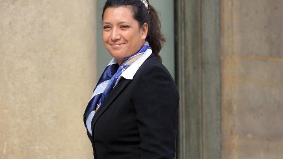 le 06 juillet 2007, Maïna Sage, alors ministre de Polynésie française du tourisme et de l'environnement arrive au palais de l'Elysée