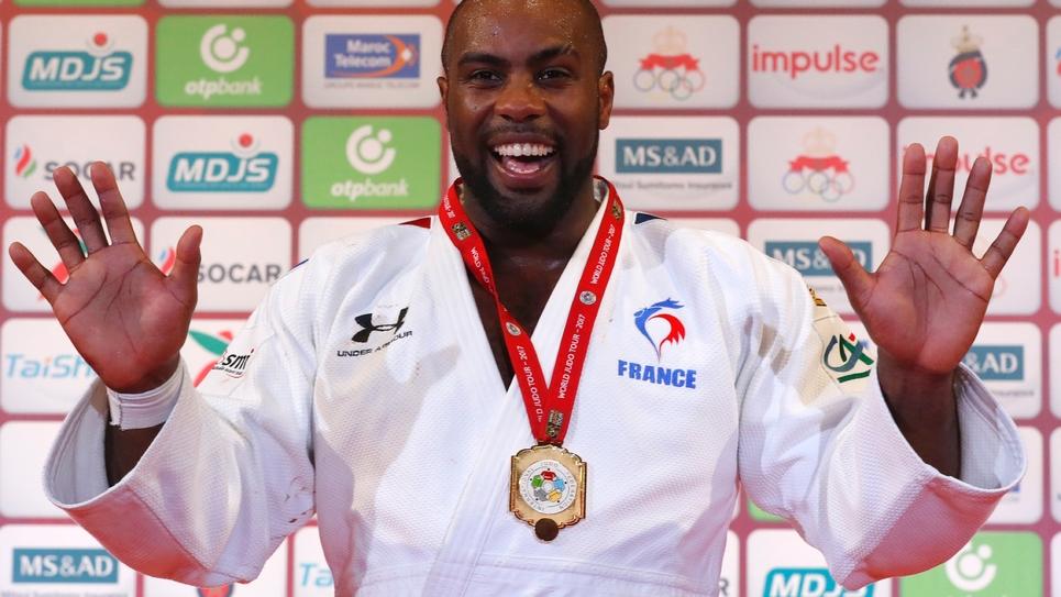 Le judoka Teddy Riner sur le podium des Championnats du monde, à Marrakesh, le 11 novembre 2017