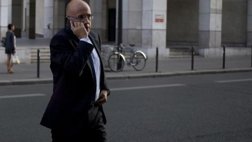 Le député UMP Eric Ciotti devant le siège de l'UMP à Paris le 16 septembre 2014