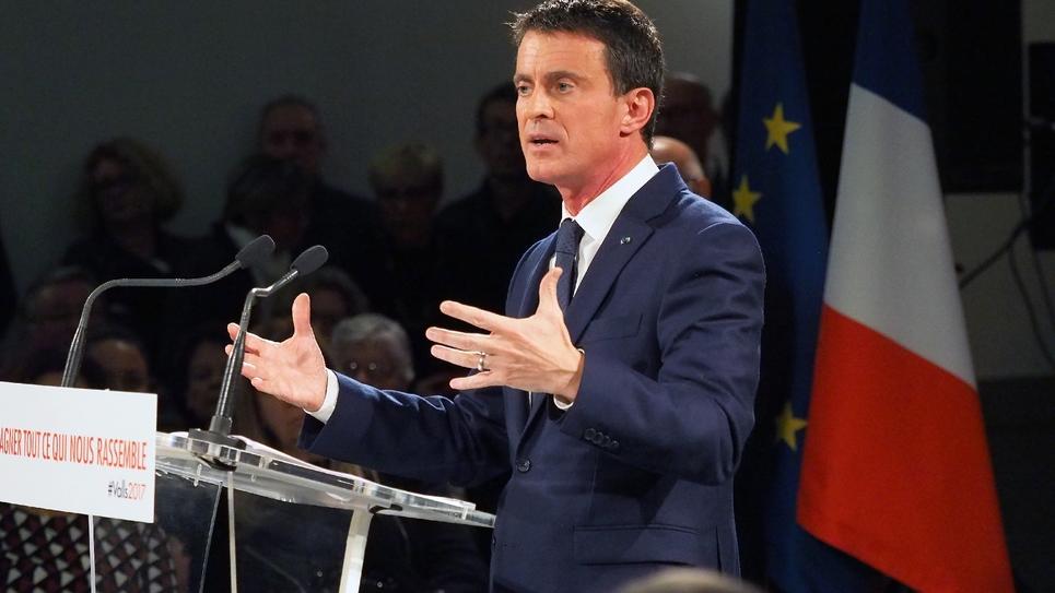 Manuel Valls, lors d'une réunion politique à Villemoustaussou, le 12 décembre 2016