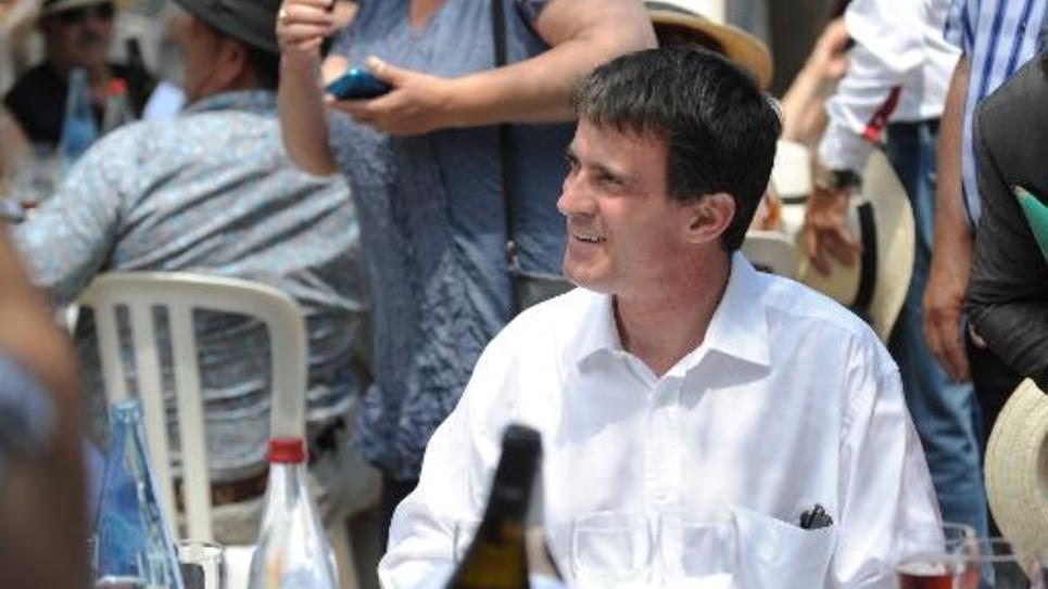 """Le Premier ministre Manuel Valls à Vauvert dans le Gard le 6 juillet 2014 pour un """"déjeuner républicain"""""""