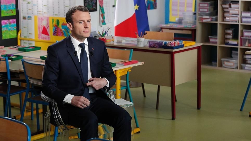 Emmanuel Macron avant son interview sur TF1 jeudi 12 avril 2018 depuis l'école du Berd'huis (Orne)
