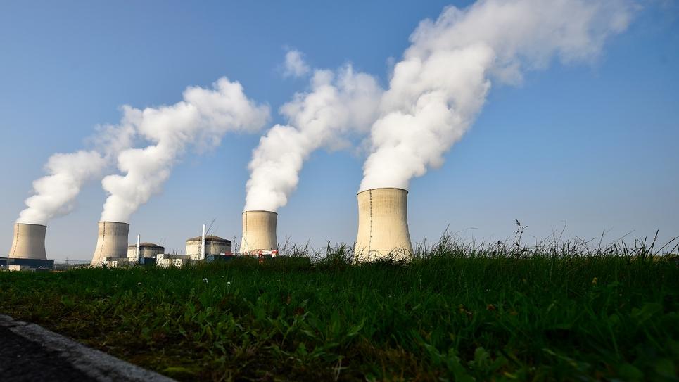 Les cheminées d'une centrale nucléaire à Cattenom, le 17 octobre 2017