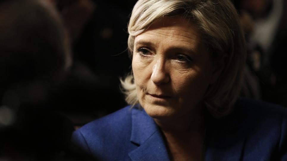 Marine Le Pen, le 6 janvier 2017 lors d'une visite à Igoville