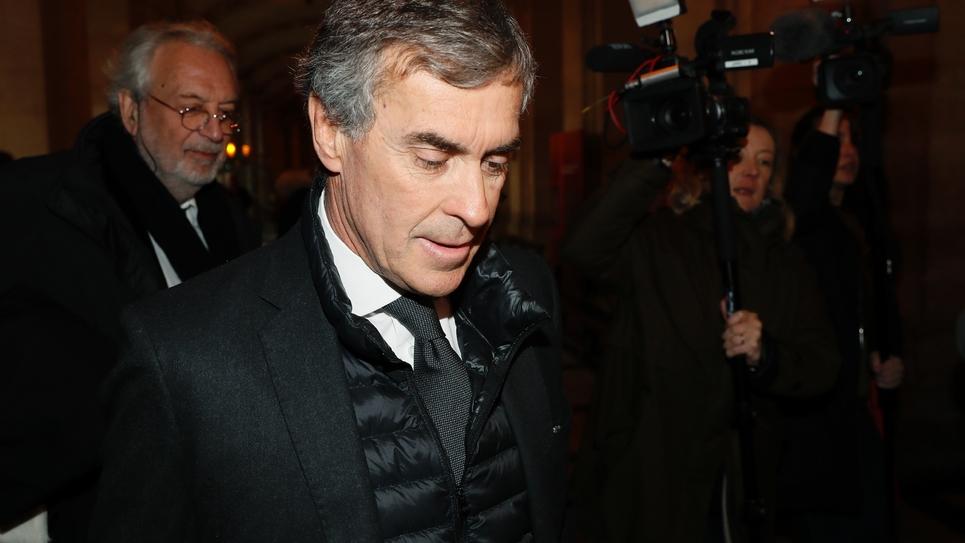 Jérôme Cahuzac  à son arrivée au palais de justice le 8 décembre 2016 à Paris