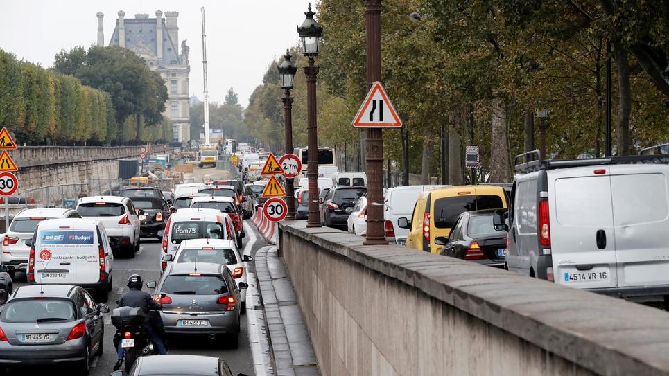 Embouteillages sur le Quai des Tuileries à Paris le 13 octobre 2016 causé par la fermeture de deux voies de circulation pour transformer les voies sur berges en espace piéton