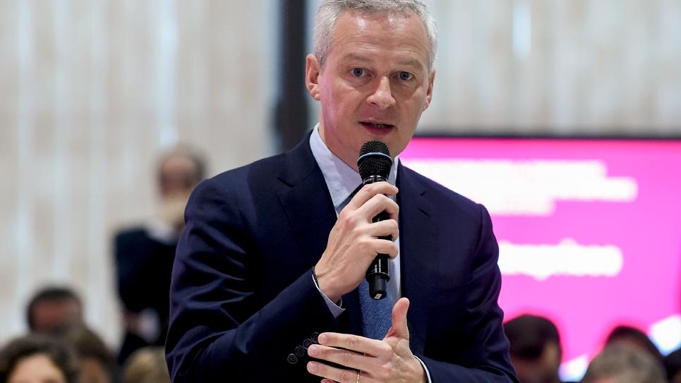 """Bruno Le Maire a souhaité des entreprises """"solides"""" pour innover et exporter, devant des chefs d'entreprises, à Paris, le 13 octobre 2017"""