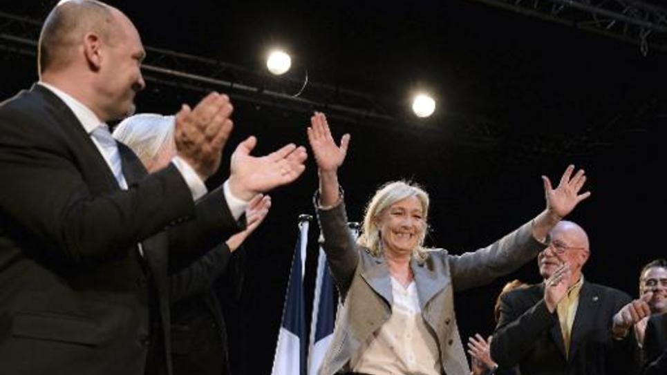 La présidente du FN Marine Le Pen lors d'un meeting à Six-Fours-les-Plages, dans le Var, le 16 mars 2015