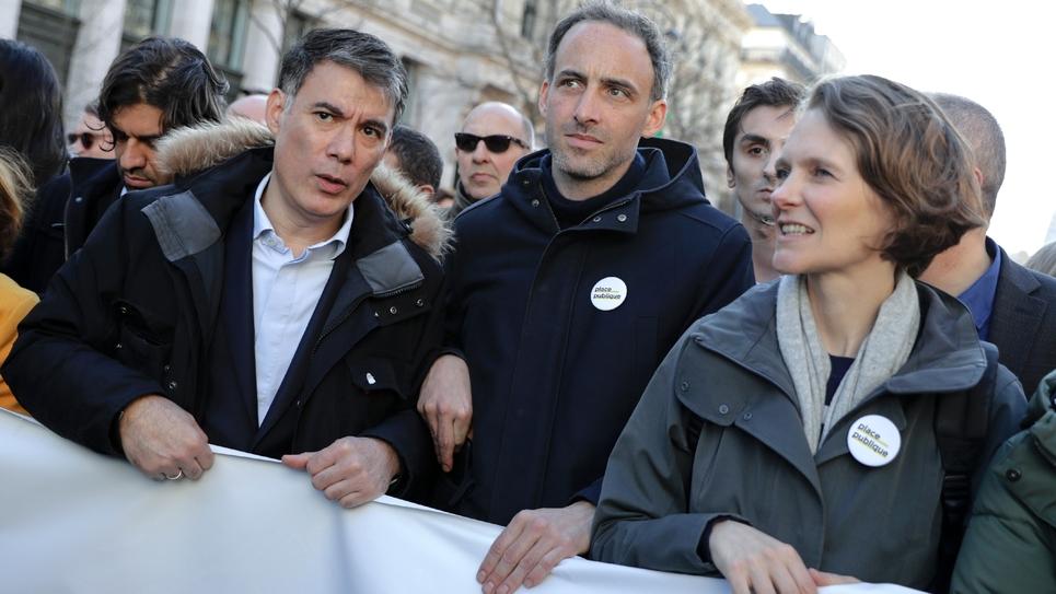 Olivier Faure (g), et Raphaël Glucksmann (c) lors de la marche pour le climat le 16 mars 2019 à Paris