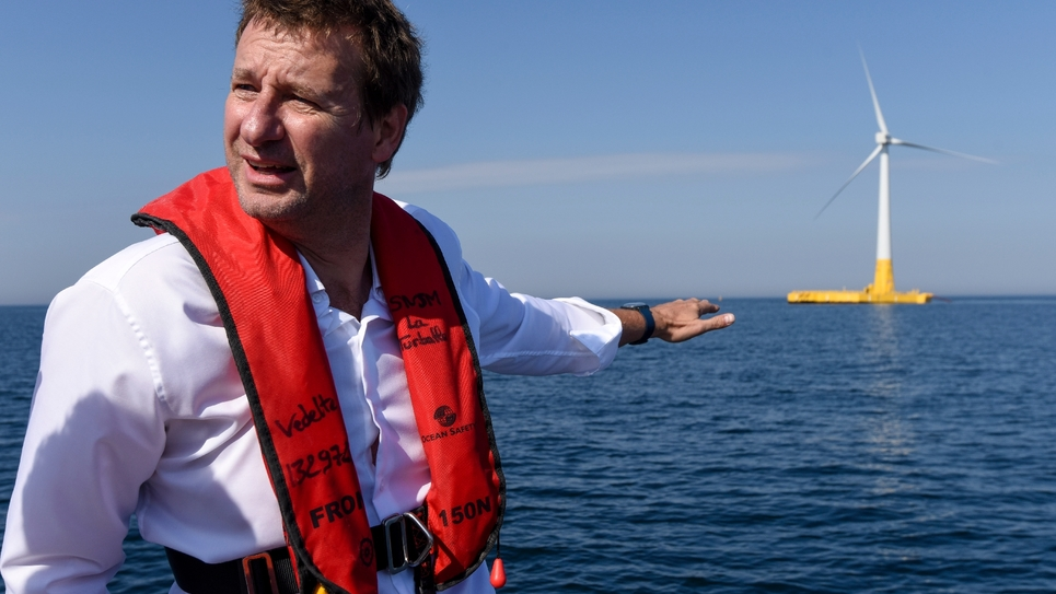 Le député européen (EELV) Yannick Jadot au large de La Turballe, le 28 septembre 2018