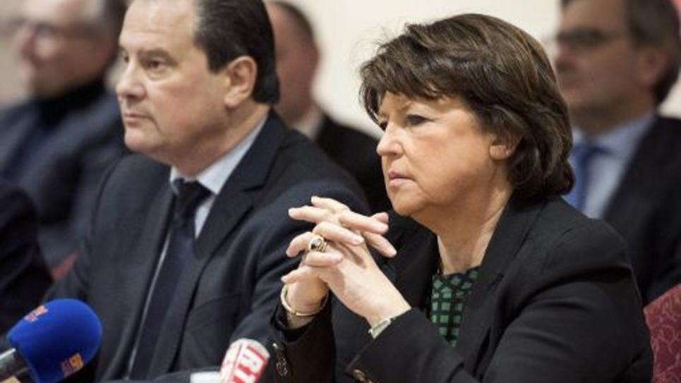 La maire de Lille, Martine Aubry (d) et le patron du PS Jean-Christophe Cambadelis, le 23 janvier 2015 à une conférence de presse à Lille