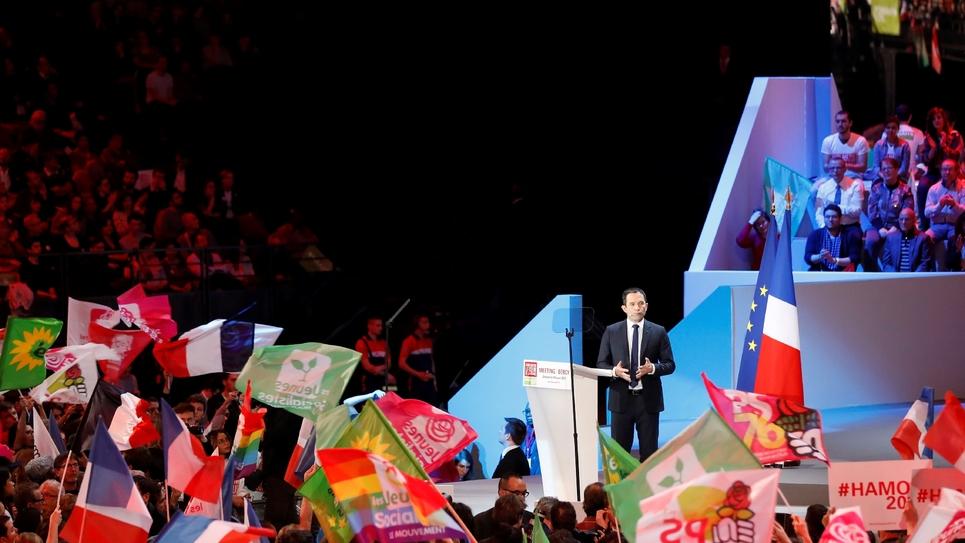 Benoît Hamon lors de son discours à Bercy àParis le 19 mars 2017