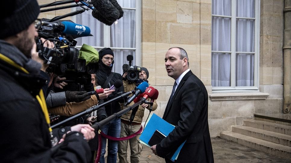 Le secrétaire général de la CFDT Laurent Berger fait une déclaration aux médias à l'issue d'une réunion avec le Premier ministre Edouard Philippe à Matignon, le 11 janvier 2019 à Paris