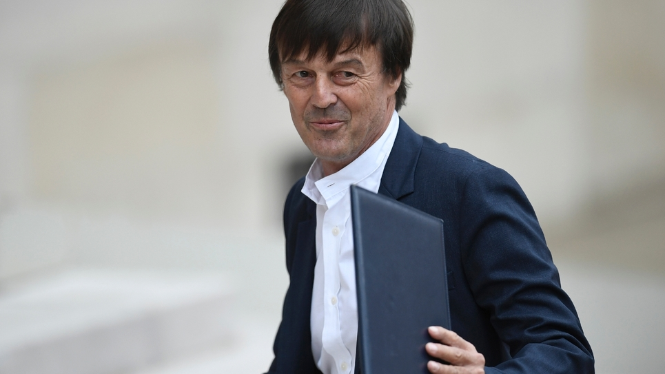 Nicolas Hulot, le nouveau ministre de la Transition écologique, arrive à l'Elysée pour le premier Conseil des ministres, le 18 mai 2017 à Paris