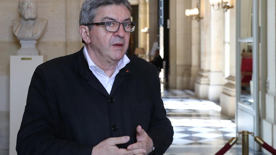 """Le leader du parti """"La France Insoumise"""" Jean-Luc Mélenchon a appelé le 23 juillet 2018 à ce que le président de la République française Emmanuel Macron soit entendu par la commission d'enquête de l'Assemblée"""