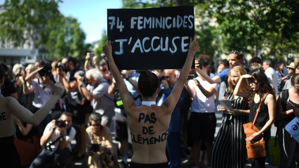 Rassemblement pour demander des mesures immédiates contre les féminicides, le 6 juillet 2019 à Paris
