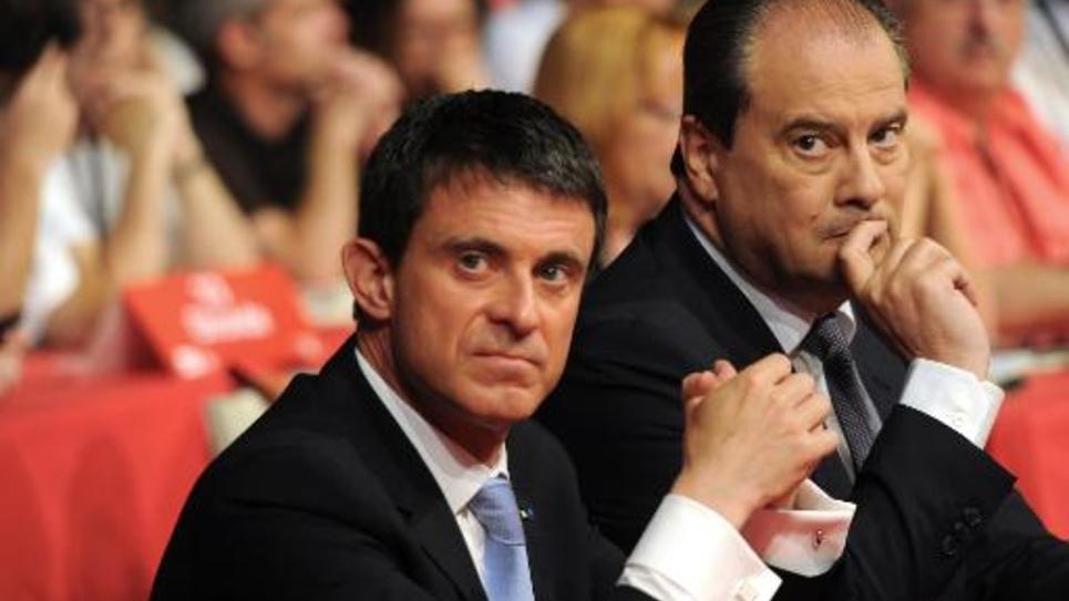 Manuel Valls et  Jean-Christophe Cambadelis au congrès du PS le 7 juin 2015 à Poitiers