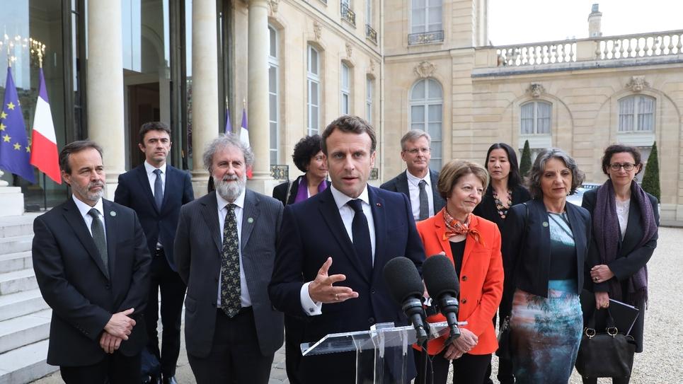 Emmanuel Macron s'exprime devant la presse après sa rencontre avec des experts de la biodiversité de l'IPBES, le 6 mai 2019 à l'Elysée