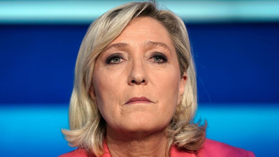 Marine Le Pen sur le plateau de l'Emission politique de France 2 à Saint-Cloud dans les Hauts-de-Seine, le 22 mai 2019