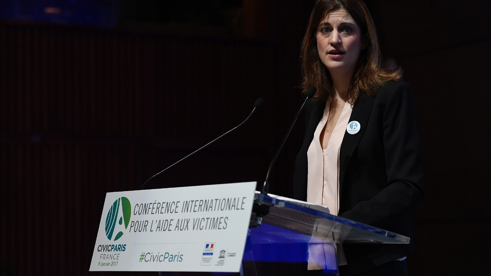 La secrétaire d'État Juliette Méadel le 9 janvier 2017 au siège de l'UNESCO à Paris, à l'ouverture d'une Conférence internationale pour l'aide aux victimes, à laquelle participent une vingtaine de pays.