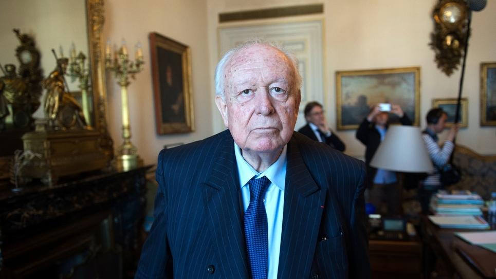 Le maire de Marseille, Jean-Claude Gaudin, le 14 avril 2016 dans son bureau de l'hôtel de ville.