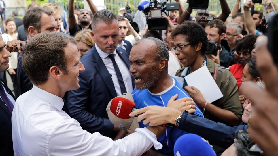 Emmanuel Macron lors de son arrivée à l'hôtel de ville de Saint-Pierre, à la Martinique, 27 septembre 2018
