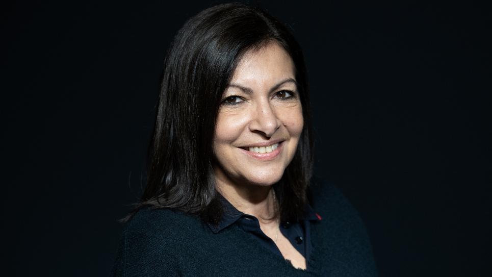 Anne Hidalgo, candidate à sa succession à la mairie de Paris en mars, pose le 11 février 2020 à Paris