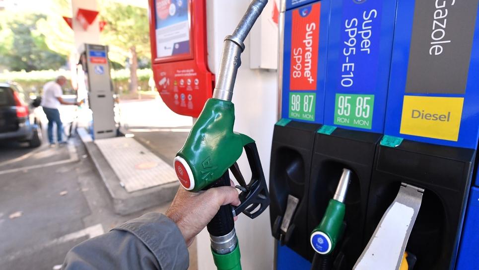 Les prix du diesel ont augmenté en France, alimentant la grogne chez les usagers