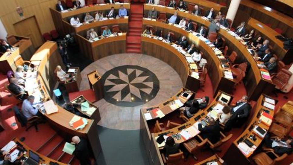 L'Assemblée de Corse lors d'une session dédiée à une réforme sur le statut de résident corse le 24 avril 2014 à Ajaccio