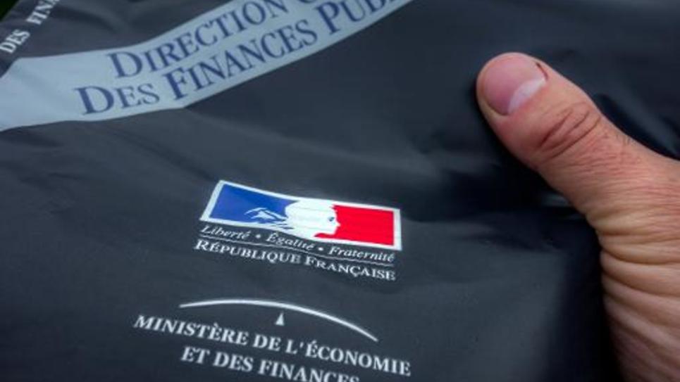 Une enveloppe contenant la déclaration d'impôts 2014