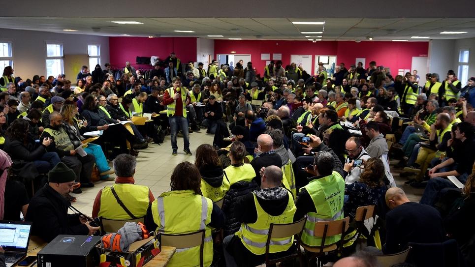 """Des représentants des """"gilets jaunes"""" participent à un débat citoyen, le 26 janvier 2019 à Sorcy-Saint-Martin, près de Commercy (Meuse)"""