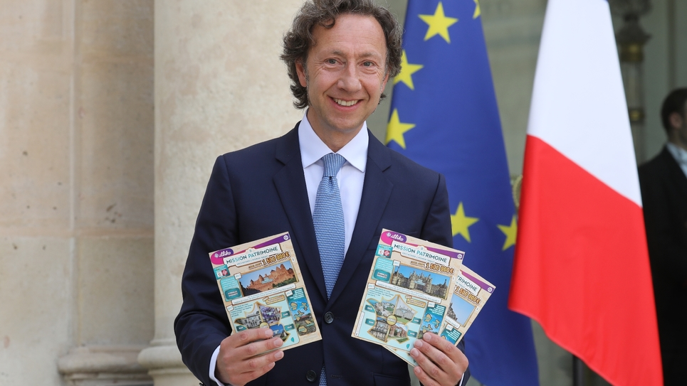 L'animateur télé Stéphane Bern pose à l'Elysée, le 31 mai 2018