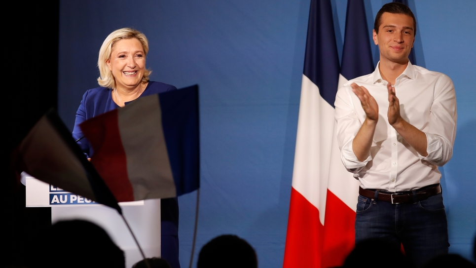 Marine Le Pen et Jordan Bardella (D), le 21 mai 2019 lors d'un meeting à Villeblevin